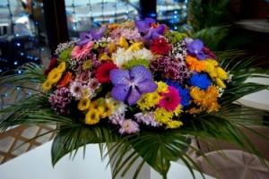 заказать букет из нескольких видов цветов