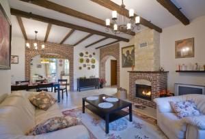 Как подобрать оптимальный стиль для интерьера загородного дома