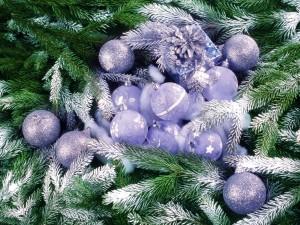 Выбираем необычные украшения для новогодней елки