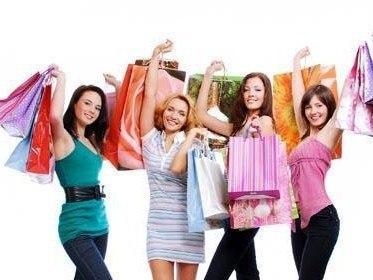 Особенности торговли женской одеждой
