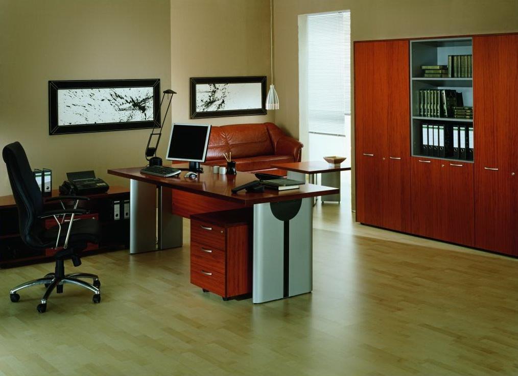 Требуется ли компьютерный стол?!