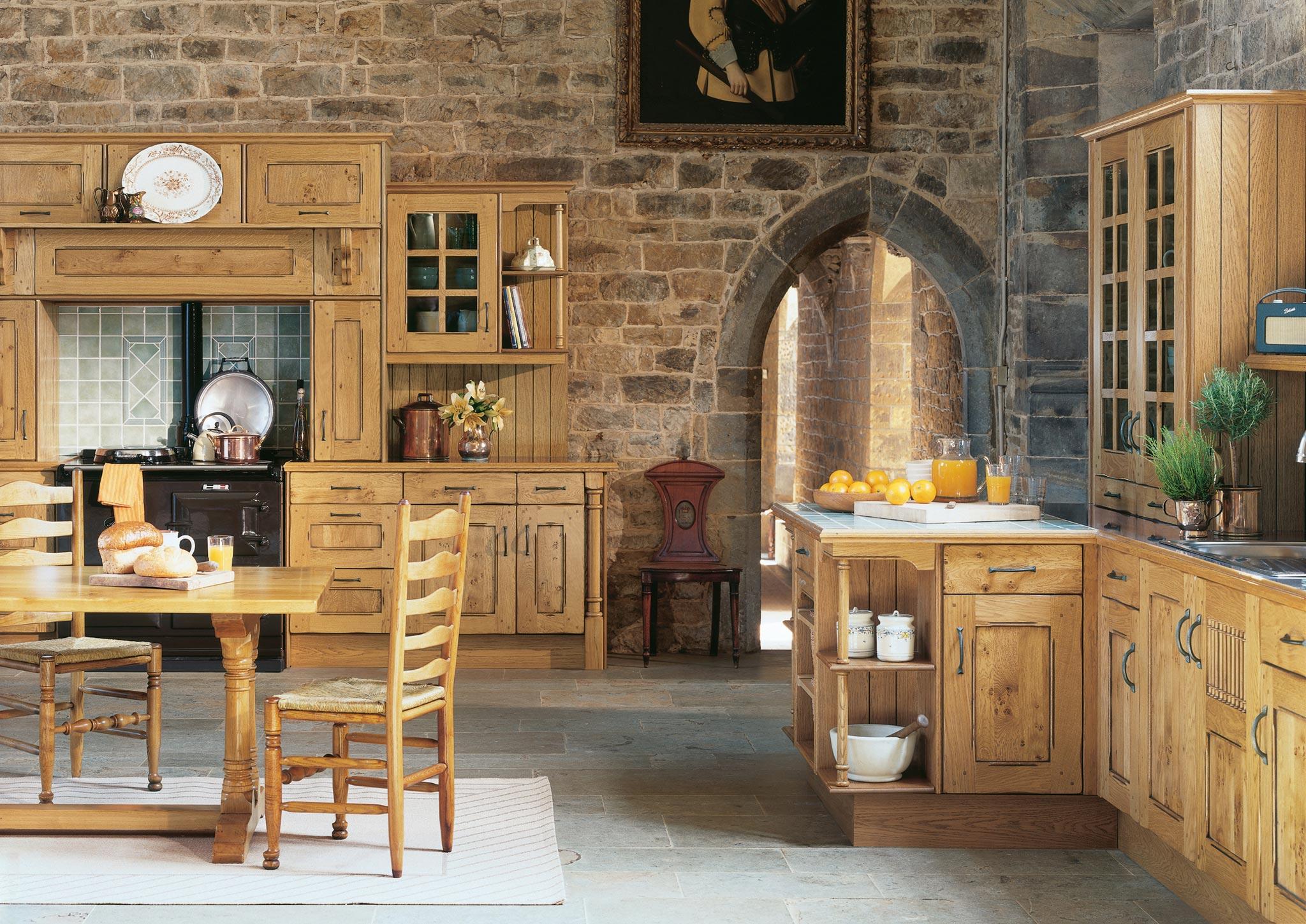 Преимущества в оформлении кухни по авторской концепции в духе аристократизма в Англии