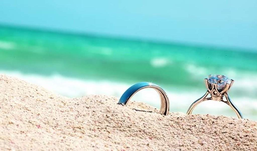 Кольцо с бриллиантами - памятный подарок для вашей любимой женщины